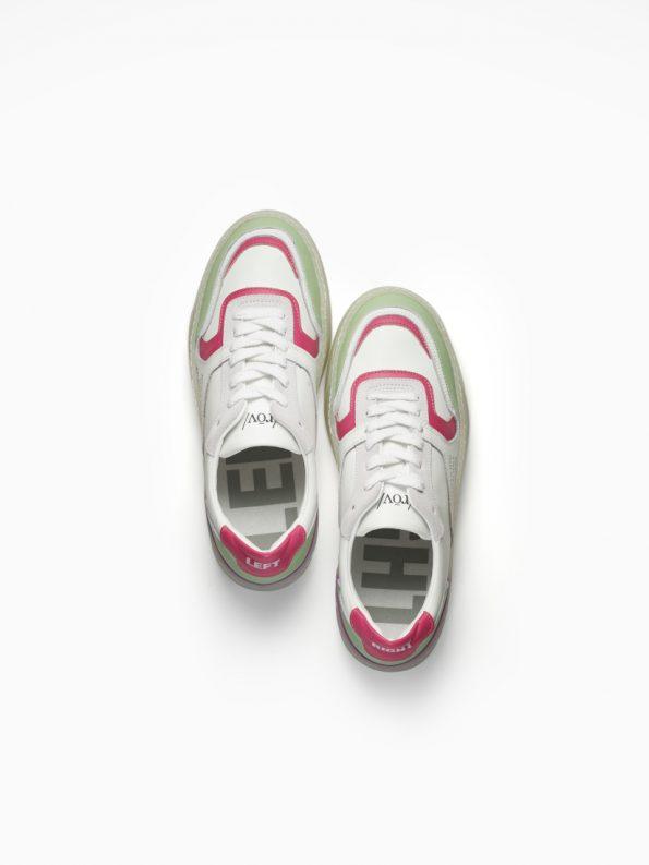 play-fashion-3-white-pink-green-woman-2